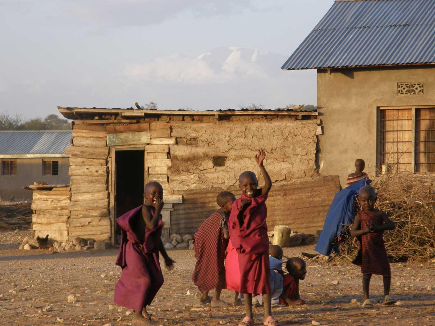 Lengasiti Maasai village met Kilimanjaro